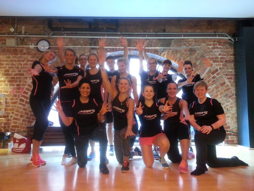 Holmes Place Jumping Fitnesstrainer Hamburg